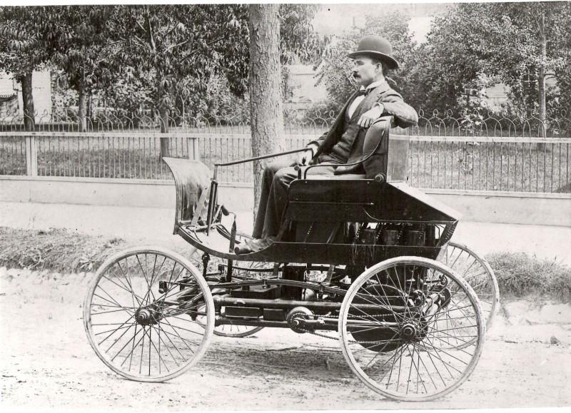 elwood-first-car